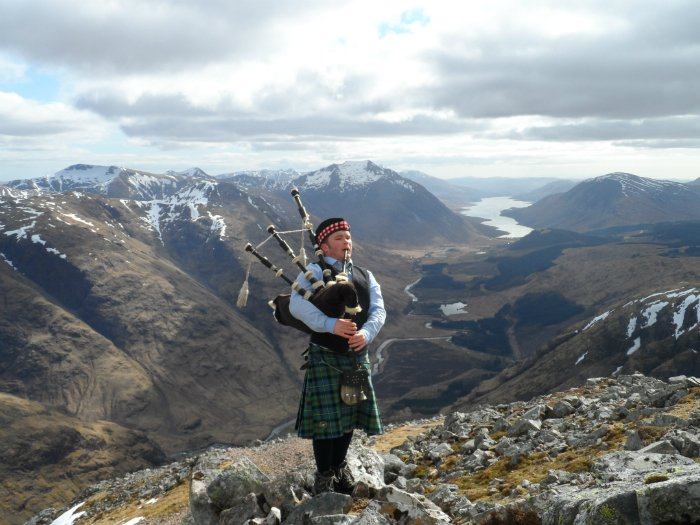 Munro Bagpiper Buy Framed Picture 4